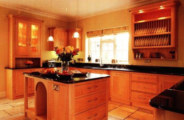 Traditional Classic Maple Kitchen With. Zimbabwe Black Granite Worktops